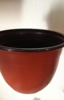 Купить горшок VAA-22 коричневий с вешаками пластиковый для цветков оптом и в роз