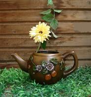 Декоративное кашпо «Чайник»
